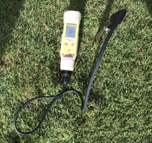 Field Scout EC Soil Meter tests EC directly in the soil