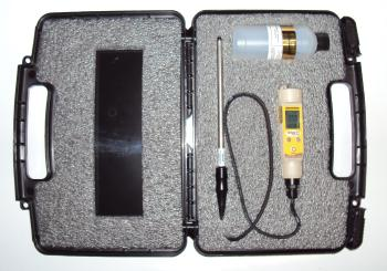Field Scout EC Soil Meter with case